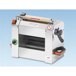 Sfogliatrice per pasta fresca e pizza mod sf220 maxi - Macchine per la pasta casalinga ...